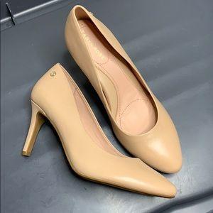 Taryn Rose pumps Heels 7.5
